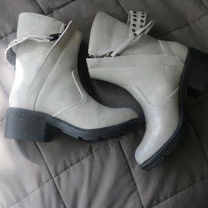 2 Lips Too Ringer Women's Boots